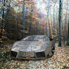 Invisible Lamborghini Reventon