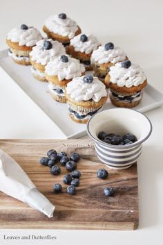 Leaves and Butterflies: Blaubeer-Cupcakes mit Mascarpone-Creme