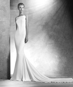 Vanila, vestido de novia pedrería, escote barco, estilo elegante