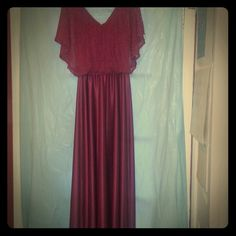 🎀 Vintage dress Beautiful vintage wine colored dress with back zipper and ruffle smock on top. Full length? Vintage Dresses