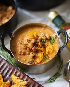 Sweet Potato Bisque with Crispy White Beans Soup Recipes, Vegetarian Recipes, Healthy Recipes, Healthy Eats, Vegan Grilling, Sweet Potato Recipes, Sweet Potato Soup, Vegan Dishes, Kitchens