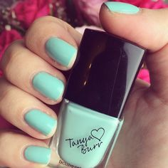 Here's another product of Tanya's. Im loving this colour! She only has nailvarnishes&lipglosses out at the moment (if you were wondering) :)