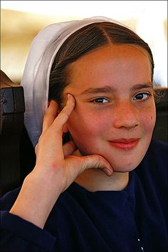 amish women | Amish Girl