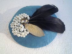 "Proud Goose - blue 5.1"" retro fascinator coctail or derby mini hat with black goose feathers, golden leaf and pearl decoration"