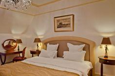 VERNET HOTEL — Paris, France