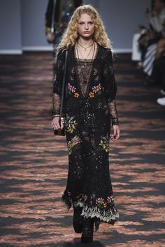 http://www.vogue.com/fashion-shows/fall-2016-ready-to-wear/etro/slideshow/collection