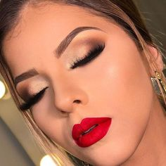Trendy Makeup Looks With Red Lipstick For You; Stunning Makeup Looks; Red Makup Looks; noche 50 Trendy Makeup Looks With Red Lipstick For You - Page 39 of 50 Red Makeup Looks, Red Lipstick Looks, Red Lips Makeup Look, Makeup For Red Dress, Makeup Lips, Makeup For Red Lipstick, Natural Lipstick, Makeup For Prom, Bridal Makeup Red Lips