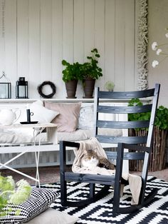 Living room with VÄRMDÖ rocking chair by Ikea Ikea Outdoor, Ikea Ps, Plein Air Ikea, Ikea Exterior, Rocking Chair Makeover, Outdoor Rocking Chairs, Patio Makeover, Dark Interiors, Diy Chair