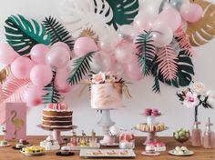 Flamingo party with tropical balloon garland Aloha Party, Luau Party, Baby Party, Girl Safari Party, Party Summer, Pool Party Themes, Summer Party Themes, Party Themes For Teenagers, Theme Parties
