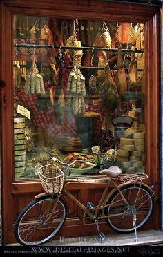 Pizzicheria de Miccoli antique delicatessen, Via di Citta, Siena, Italy