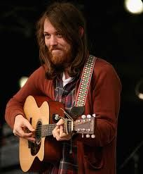 robin pecknold... guys, if you can rock long hair please please do!