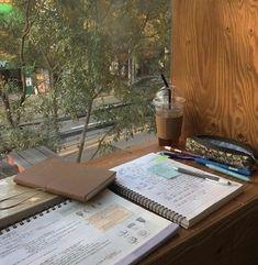 Study Room Decor, Study Organization, School Study Tips, Study Space, Study Hard, Studyblr, Study Notes, Student Life, Study Motivation