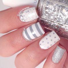Gray and white mani