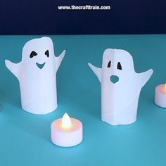 Paper roll ghost craft Make ghost decorations for Halloween from recycled paper rolls. This is a fun and easy Halloween craft fro kids and makes a cool decoration for the mantlepiece! Decoration Haloween, Halloween Decorations For Kids, Halloween Activities For Kids, Fun Crafts For Kids, Diy Ghost Decoration, Halloween Arts And Crafts, Halloween Diy, Holiday Crafts, Paper Towel Roll Crafts