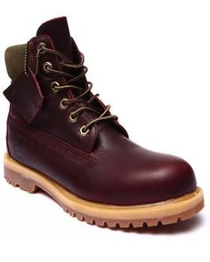 """Dope maroon classic 6"""" Timberland Boots for fall!"""