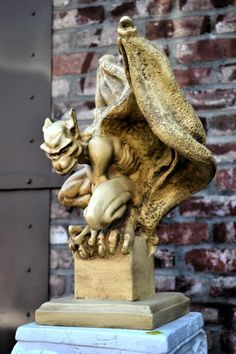 Gargoyle Statues from The Stone Griffin - Catalog Section 1 - My most beautiful tattoo list Magical Creatures, Beautiful Creatures, Medieval, Architectural Sculpture, Frozen In Time, Angels And Demons, Lost Art, Paper Clay, Green Man