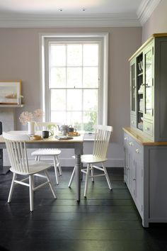 For a touch of sophisticated farmhouse charm in smaller kitchens, the Farmhouse Storm Grey Table could be just what you are looking for. This table is perfect for family gatherings and dinner parties with friends. #farmhousediningroom #diningroominspo #farmhousestyleinterior