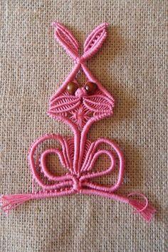 Explore patty macramè photos on Flickr. patty macramè has uploaded 324 photos to Flickr. Macrame Earrings, Macrame Bag, Yarn Crafts, Diy And Crafts, Arts And Crafts, Macrame Patterns, Crochet Patterns, Art Macramé, Micro Macramé