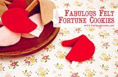 Felt Fortune Cookies with LiveLaughRowe.com #diy #crafts #valentines