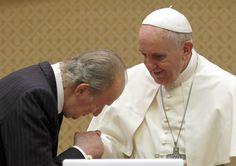 Mirada tierna del Papa Francisco a su Majestad el Rey Juan Carlos I