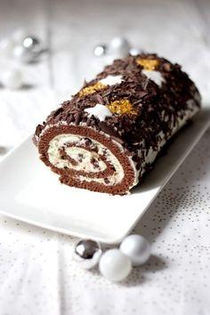Bûche de Noël chocolat-mascarpone - Cake, blondies and brownies - Christmas Desserts, Christmas Baking, Christmas Log, Christmas Recipes, Gourmet Cooking, Cooking Recipes, Cake Recipes, Dessert Recipes, Log Cake