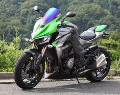 Visor Screen for Kawasaki Z 1000 by Magical Racing Kawasaki Ninja Bike, Kawasaki Motorcycles, Cars And Motorcycles, Monster Bike, Z 1000, Honda Grom, Moto Bike, Sportbikes, Street Bikes