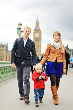 Family outdoor London photo shoot Big Ben Westminster