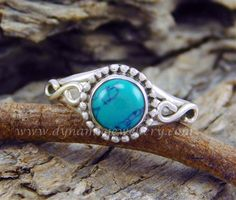 Fantastic look turquoise 925 silver ring Code GSR000594 Stone Turquoise Price in US$ 6.99 wholesale silver ring, silver gemstone ring, handmade silver ring, beautiful design silver ring,925 sterling silver ring, amazing look silver ring,925 silver ring, Stylish look silver ring, fantastic look silver gemstone ring, Designer look silver ring,925 silver gemstone ring