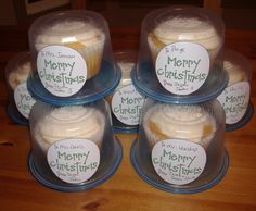 Use upsidedown plastic food containers for individual cupcake storage/gifting
