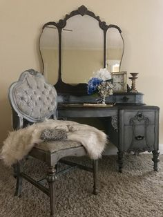 This gorgeous lady has been restored in my own color recipe of Annie Sloan Chalk Paints. It's is a light blue and the brown has subtle hints of pink. Her beautiful curves and details have be...