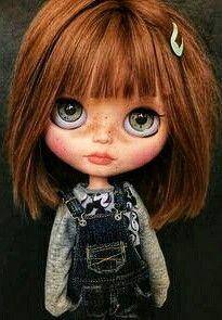 Hie😊this is naiala 🦋she is already living with her mom and soon she will have a new sister😁 belbly alpaca alpacareroot blythe custom customdoll dollstagram doll pureneemobody Blythe Dolls, Girl Dolls, Barbie Dolls, Pretty Dolls, Beautiful Dolls, Little Doll, Doll Maker, Custom Dolls, Princesas Disney