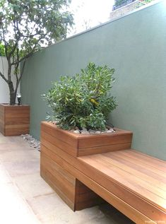 Outdoor planter bench garden bench ideas that are out of the ordinary. Modern Planters, Outdoor Planters, Garden Planters, Outdoor Gardens, Garden Benches, Modern Patio, Garden Modern, Diy Planters, Garden Bench Seat