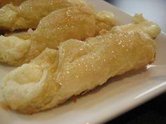 Quesitos! (Puerto Rican cream cheese pastry) + recipe