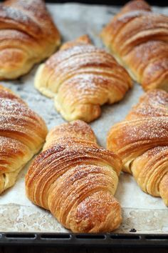 Goal - Italian Pastries Pastas and Cheeses Italian Pastries, Bread And Pastries, French Dessert Recipes, Breakfast Recipes, Best Italian Recipes, Favorite Recipes, Homemade Croissants, Croissant Recipe, Puff Pastry Recipes