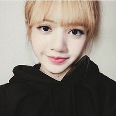 Read Lisa~BLACKPINK*commande* from the story Snap Kpop by (몬베베) with 377 reads. Lisa Bp, Jennie Lisa, Wattpad, K Pop, Divas, Park Chaeyoung, Blackpink Jisoo, Yg Entertainment, K Idols