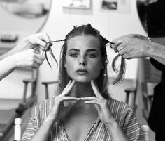 American fashion model and actor Margaux Hemingway haing her hair styled for a photo session, United States, photograph by Harry Benson. Margaux Hemingway, Harry Benson, Santa Monica, Gorgeous Women, Beautiful People, Tv Movie, Summer Essentials, Portraits, Classy And Fabulous