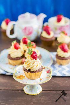 Schoko-Vanille-Erdbeer Cucpakes