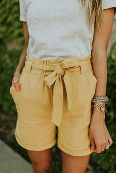 Makenna High Rise Shorts - beauty and fashion are a lifestyle - Edgy Outfits, Mode Outfits, Fashion Outfits, Fashion Trends, Womens Fashion, Work Fashion, Fashion Clothes, White Outfits, Fashion Black