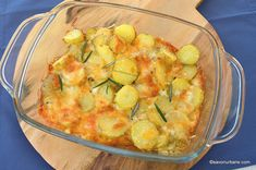 reteta gratin de cartofi cu branza la cuptor Cheddar Cheese, Potato Salad, Shrimp, Potatoes, Meat, Baking, Ethnic Recipes, Food, Cheddar