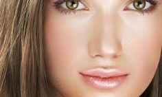 PASSO 1 Limpe bem a pele e hidrate. A maquiagem natural preza por uma pele leve…