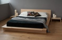 mesitas de noche y cama con diseño simple