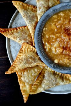 Pumpkin Pie Wontons with a Pear Ginger Beer Dipping Sauce