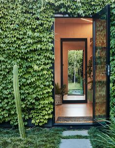 Architecture design - Writer's Shed by Matt Gibson is a Melbourne garden studio covered in ivy Architecture Design, Australian Architecture, Landscape Architecture, Landscape Design, City Landscape, Melbourne Garden, The Design Files, Design Design, Interior Design