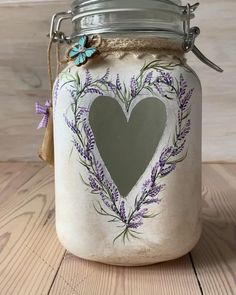 Burlap Mason Jars, Mason Jar Gifts, Mason Jar Diy, Glass Bottle Crafts, Diy Bottle, Bottle Art, Decoupage Jars, Glass Painting Designs, Painted Jars