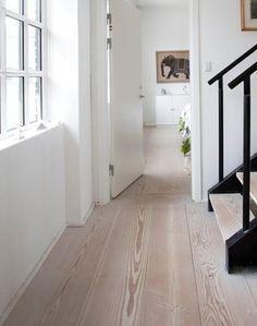 Sæbebehandlet plankegulv.  Foto: Hanne Gabel Christensen