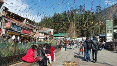 And the festivities continue at the mall road in #Manali . Join us from 2nd January 2018 to celebrate the annual winter carnival in Manali.
