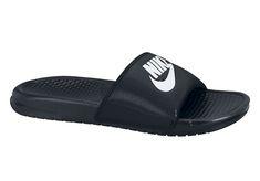 Black And White Slippers, Black And White Sandals, Black White, Mens Nike Sandals, Nike Shoes, Men's Shoes, Nike Mode, Nike Corporate, Moda Nike