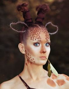 ▷ 1001 + creative ideas for a simple Halloween Make Up - Feste - Make up augen Giraffe Make Up, Baby Giraffe Costume, Baby Carrier Cover, Halloween Karneval, Fantasy Make Up, Simple Makeup, Easy Halloween, Diy Costumes, Costumes