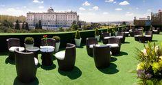 Noches de verano y terrazas en Madrid. Cada temporada surgen nuevas e interesantes propuestas en la capital.