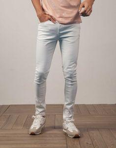 5bdf8164e4054 pantalón vaquero liso súper skinny blanco